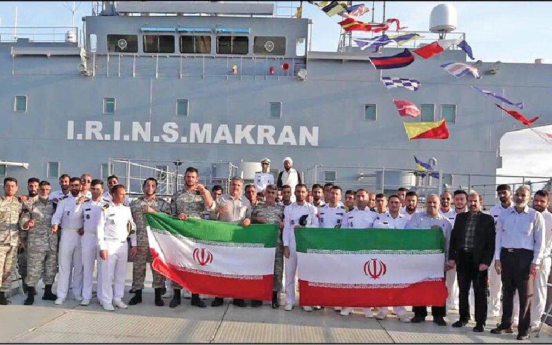 اهتزاز پرچم ایران در ۷ دریا با ناوگروه ۷۵ نیروی دریایی ارتش