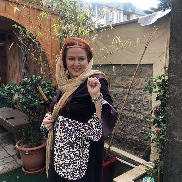 لباس شب شعر بهاره رهنما در حیاط خلوت خانه لاکچری اش /عکس