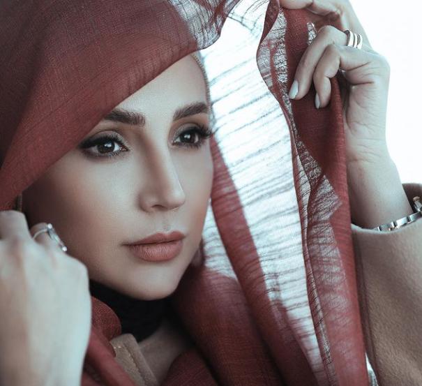 چهره زیبا و غرق در تفکر شبنم قلی خانی /عکس