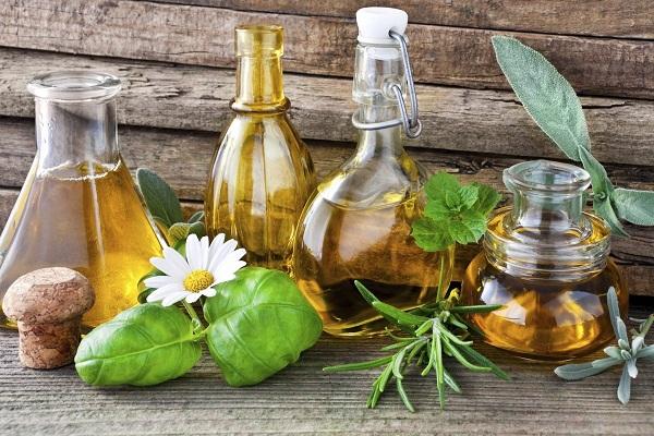 عرق های گیاهی برای درمان یبوست