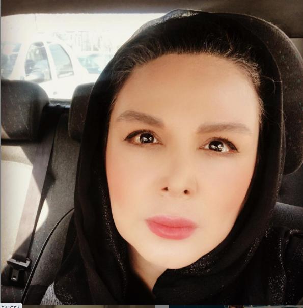 شهره سلطانی در خودروی شخصیاش /عکس
