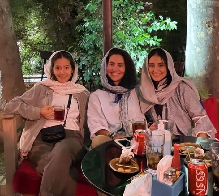 شب نشینی پردیس احمدیه و رفقا /عکس