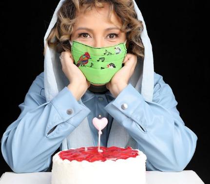 ماسک دست ساز پانته آ بهرام در روز تولدش /عکس