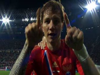 Dick Advocaat praises Andrey Arshavin after crushing Russia win