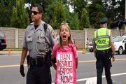 گفتوگو با معترضی که نشست ضدایرانی را بر هم زد