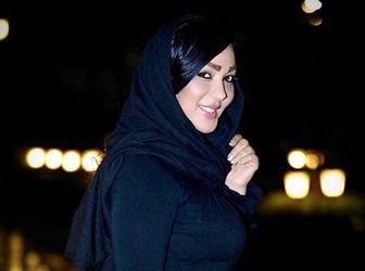 خانم بازیگر در ورزشگاه ابوظبی به تماشای بازی پرسپولیس و الهلال نشست/عکس