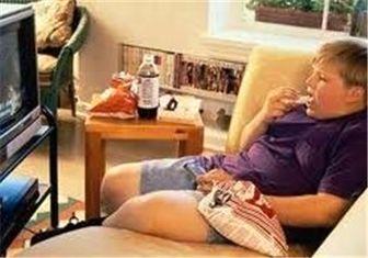 تاثیر منفی غذا خوردن هنگام تماشای تلویزیون