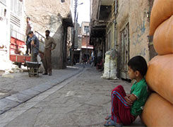 مردم کوی: بجای عکس گرفتن مشکلات ما را حل کنند