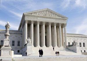 دستور دادگاه عالی آمریکا برای توضیحات بیشتر دولت ترامپ