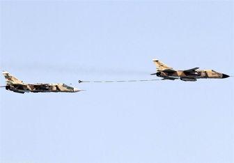 سوخترسانی یار به یار جنگنده سوخو ۲۴ + عکس