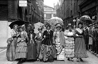 پوشش زنان در عصر ملکه ویکتوریا+تصاویر