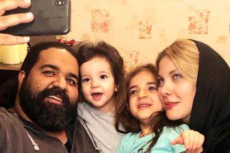 سرگرمی جالب «رضا صادقی» و دخترانش در ایام قرنطینه/ عکس