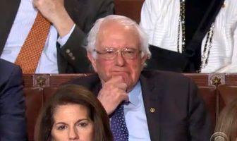 ژست جالب دموکراتها در سخنرانی سالانه ترامپ/ عکس