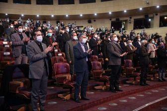وقتی همه به احترام علی انصاریان، ایستاده دست زدند+ عکس