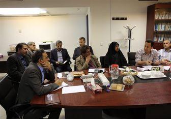 دانش آشتیانی با تشکلهای معلمان دیدار کرد