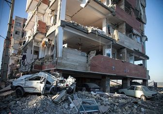 دیدار چهره به چهره فرماندهان ارتش و سپاه با مردم زلزلهزده + تصاویر