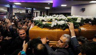 """تدفین پیکر """"نوربخش"""" در حرم حضرت عبدالعظیم"""
