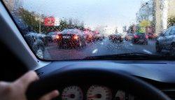 9 نکته حیاتی برای رانندگی در روزهای بارانی