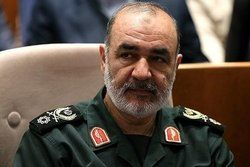 هشدار موشکی سردار سلامی به اروپا