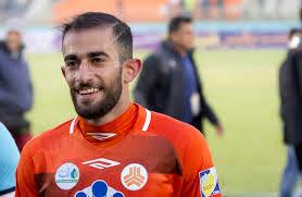 ستاره فوتبال ایران برای درمان به اسپانیا می رود