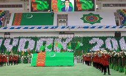 کارمندان ترکمنستان به صورت اجباری در مراسمات ملی حضور می یابند