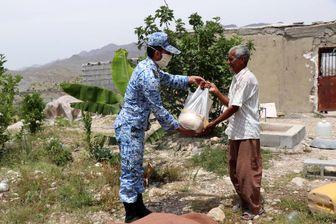 توزیع بستههای معیشتی در مناطق محروم استان هرمزگان