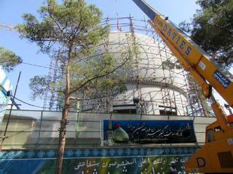 جداسازی و پیادهسازی قطعات گنبد جدید حرم امام حسین (ع) برای انتقال به کربلا