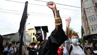 معترضان نژادپرستی در سالروز پایان بردهداری به خیابانها ریختند+ تصاویر