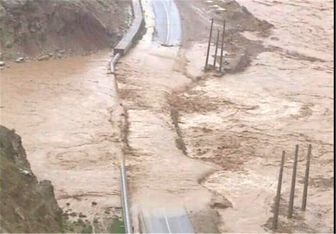 سیل راه ارتباطی ۹ روستای شهرستان دوره چگنی را مسدود کرد