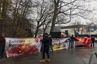 تجمع جمعی از فعالان بحرینی در مقابل سفارت عربستان