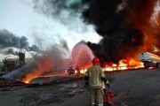 ماجرای آتش سوزی در پالایشگاه تهران /هجوم مردم به پمپ بنزین های تهران +تصاویر