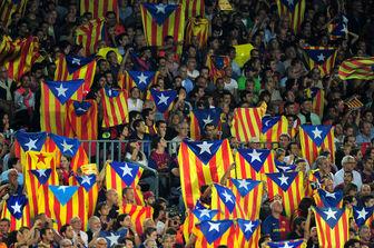 معترضان کاتالان مسیر نخست وزیر اسپانیا را مسدود کردند