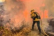 کالیفرنیا همچنان در آتش میسوزد