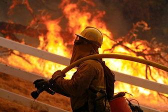 آتش سوزی گسترده کارگاهی در اتوبان آزادگان