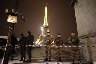 بازگشایی برج ایفل پس از تخلیه به دلیل تهدید تروریستی