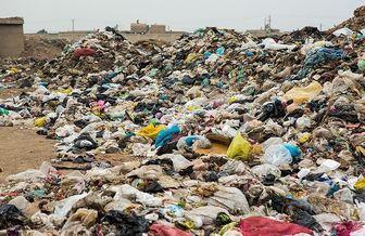 برخی شهروندان زباله را به جای مخزن در جویها میریزند