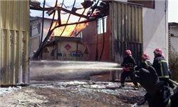 آتشسوزی گسترده در انبار لوازم یکبار مصرف