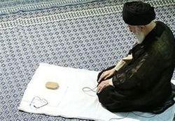 تصویر دیده نشده از رهبر انقلاب در کنار شهید بهشتی+عکس