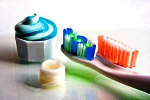 آنچه درباره خمیر و نخ دندان باید بدانید