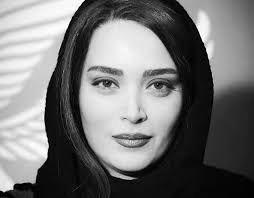 عکس یادگاری خانم بازیگر با عادل فردوسی پور