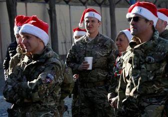 هدیه ای که نظامیان انگلیسی در افغانستان به بهانه کریسمس می گیرند