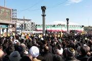 اجرای قطعات انقلابی در جمع مردم تهران