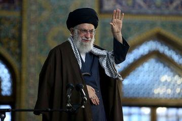 سخنرانی رهبر انقلاب در حرم مطهر رضوی/ گزارش تصویری
