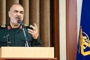 سرلشکر سلامی: انهدام ناوهای هواپیمابر با موشک بالستیک از راهبردهای ماست