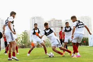 تیم ملی وارد قطر شد