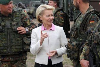 وزیر دفاع آلمان ارتباط نظامیان با نمایندگان مجلس را قطع کرد