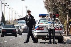 برخورد پلیس با حرکت وسایل نقلیه در پیاده روها