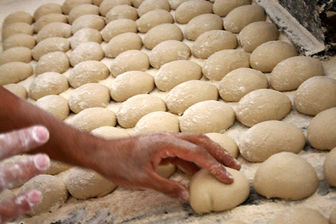 نان گران میشود