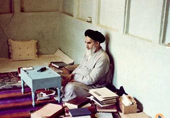 وضوی امام خمینی در بیابانهای بصره +تصاویر