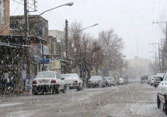 قطعی برق به علت بارش برف در کرج/ ارتفاع برف به 70 سانتی متر می رسد